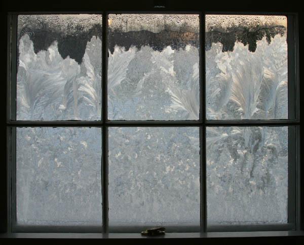Frost_on_window